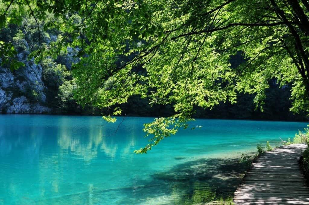 Plitvice Lakes natural world wonders