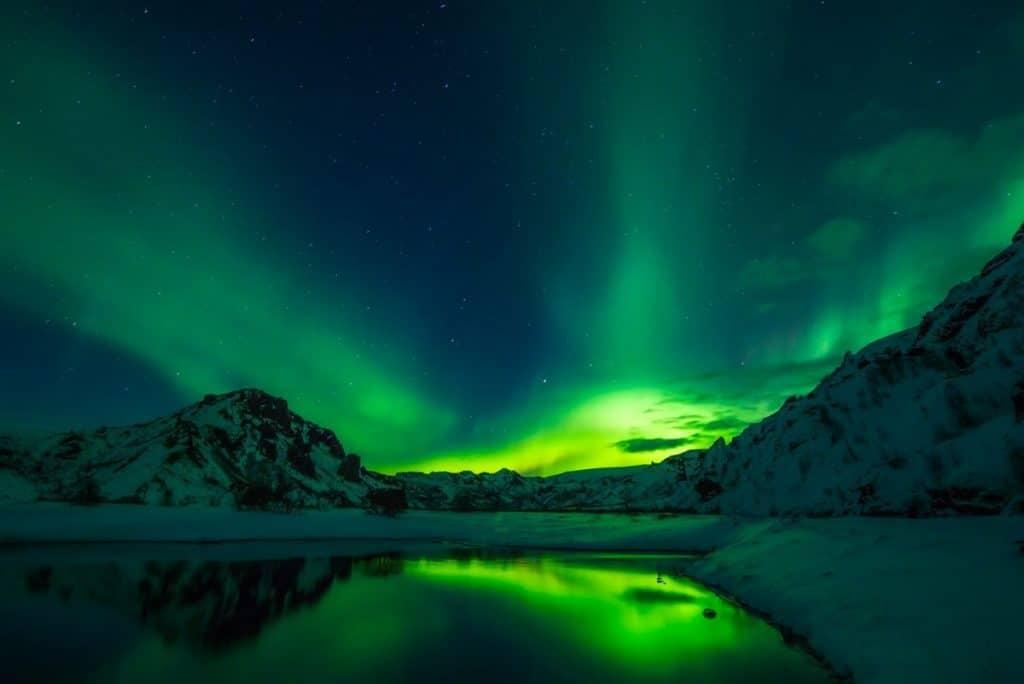 iceland northern lights natural world wonders
