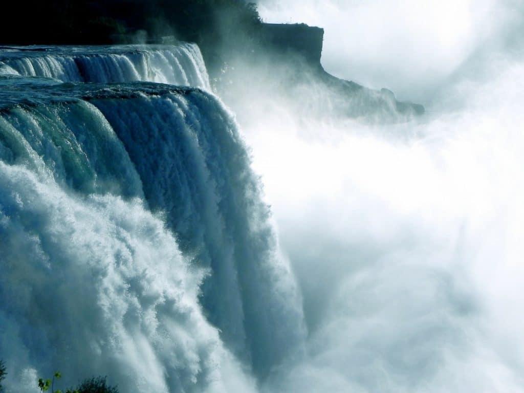 Niagara Falls Natural World Wonder