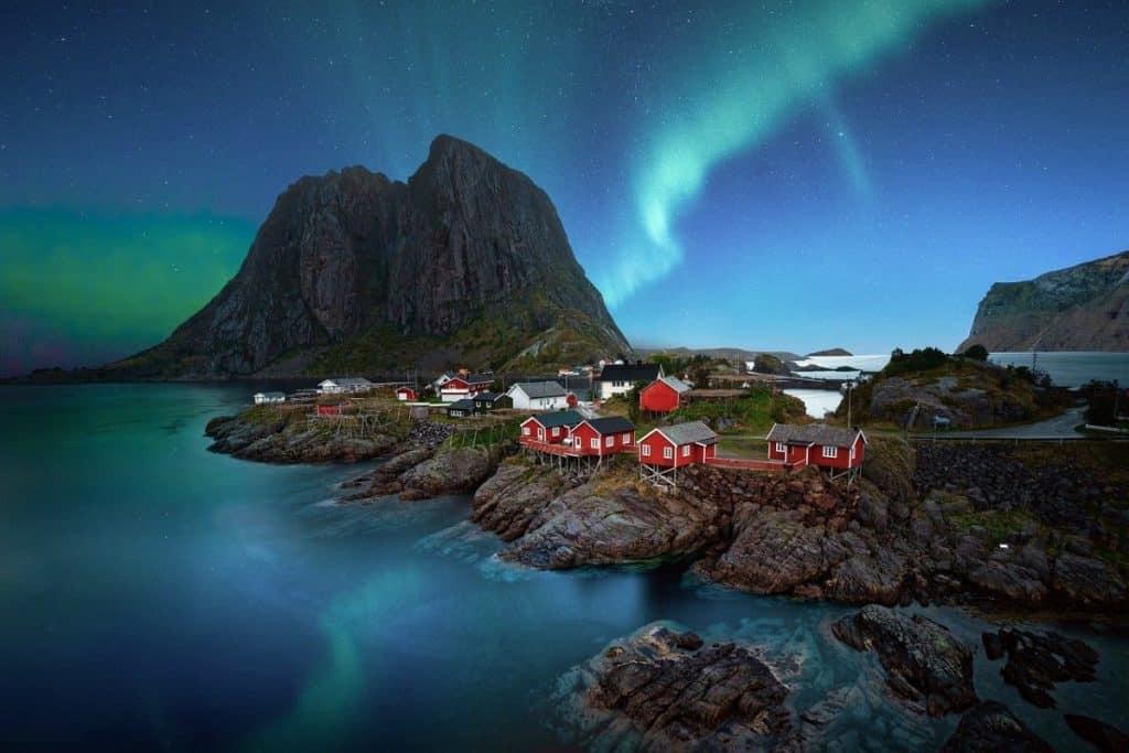 natural world wonders norway northern lights